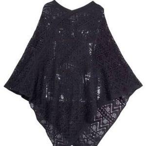 Jackets & Blazers - NWT Black Knit Poncho